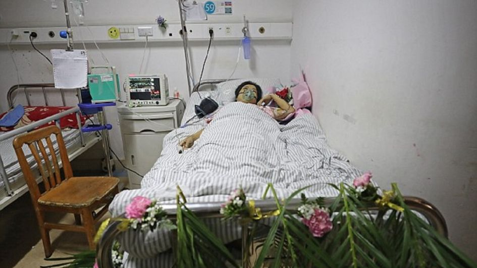 ¡Conmovedor! Mujer con enfermedad terminal muere minutos antes de su boda