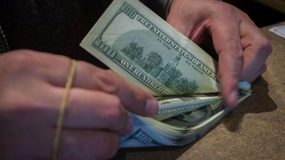 Por primera vez el dólar cerró arriba de los 40 pesos