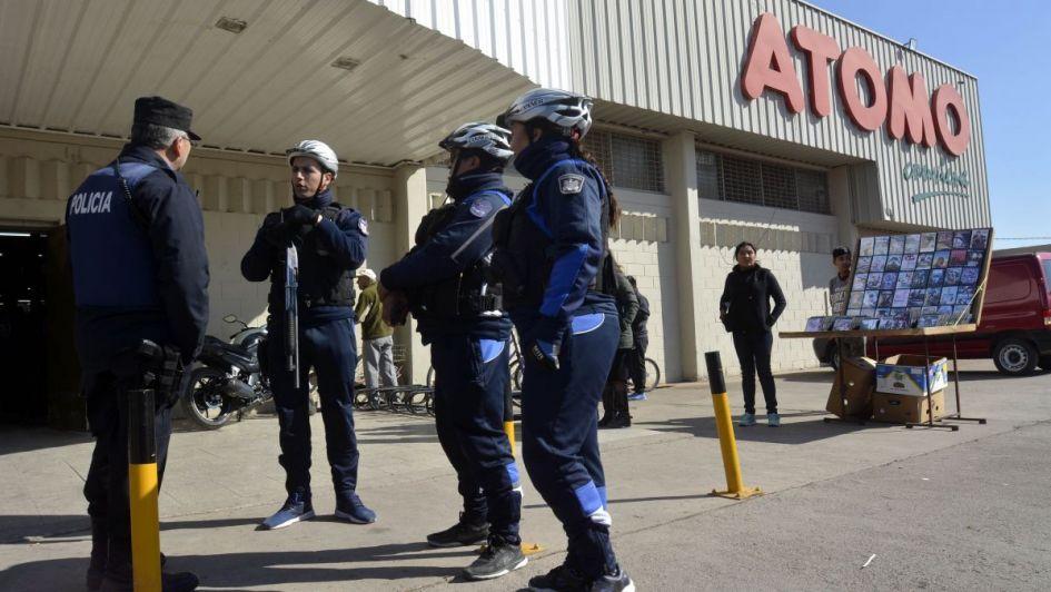 El ministro de Seguridad hizo una advertencia a los que intenten robar en supermercados