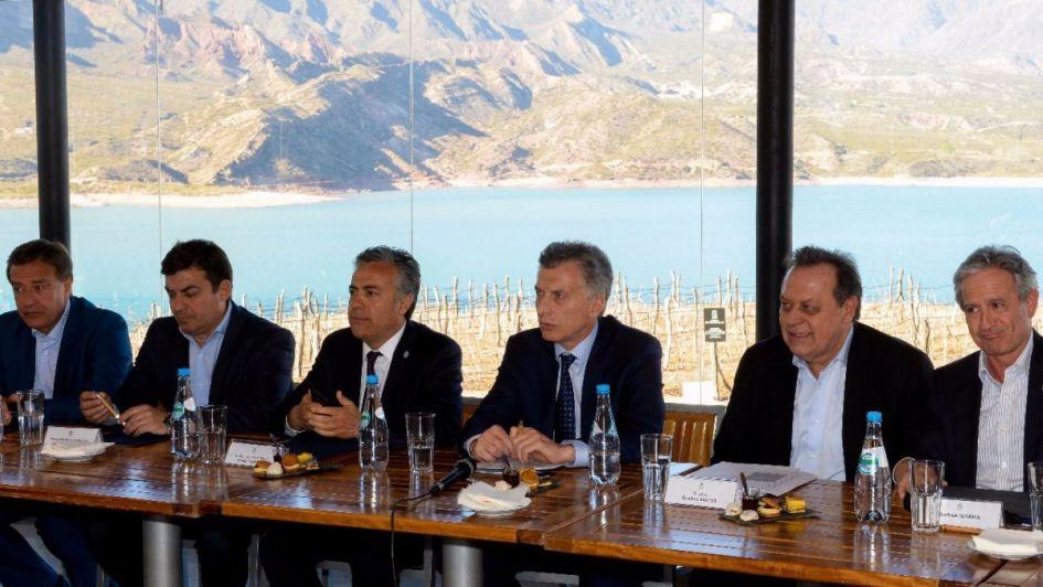 Macri le dio buenas noticias a Cornejo: en diciembre se licita Portezuelo del Viento