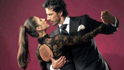 Los Totis, la dupla integrada por los bailarines porteños Virginia Gómez y Cristian Márquez.