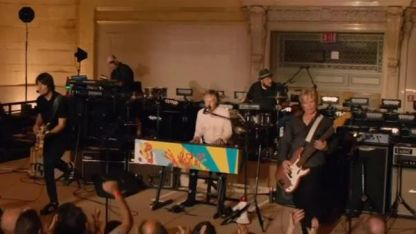 Concierto de Paul McCartney en estación de trenes