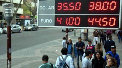 En las Casas de Cambio del Centro mendocino la divisa cerró a $ 38,50.