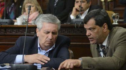Pereyra (izquierda) escucha, Parés (UCR) habla. Cuidar al del CEC es clave.