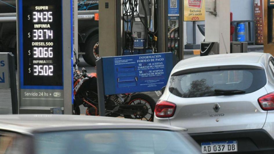 Nuevo aumento de los combustibles de  YPF: ahora subió el precio del gasoil