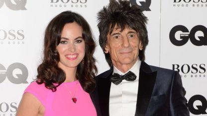 Ronnie Wood y su esposa