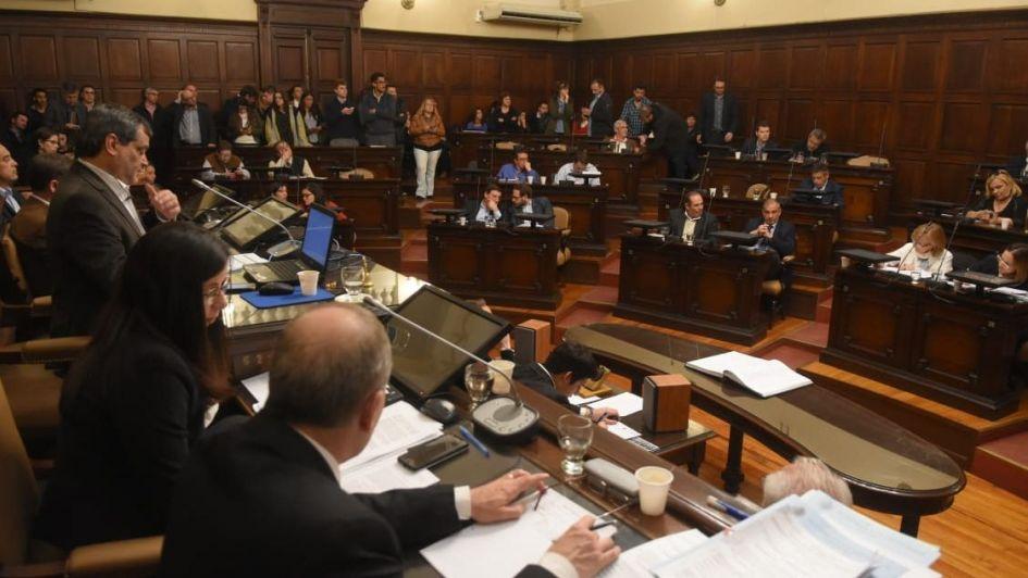 En medio de incidentes en la Legislatura, Diputados aprobó el Código de Faltas