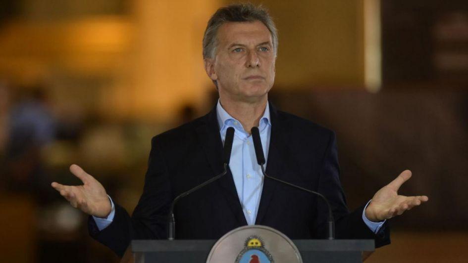 El Gobierno desmiente al asesor de Trump que dijo que se trabaja para dolarizar Argentina