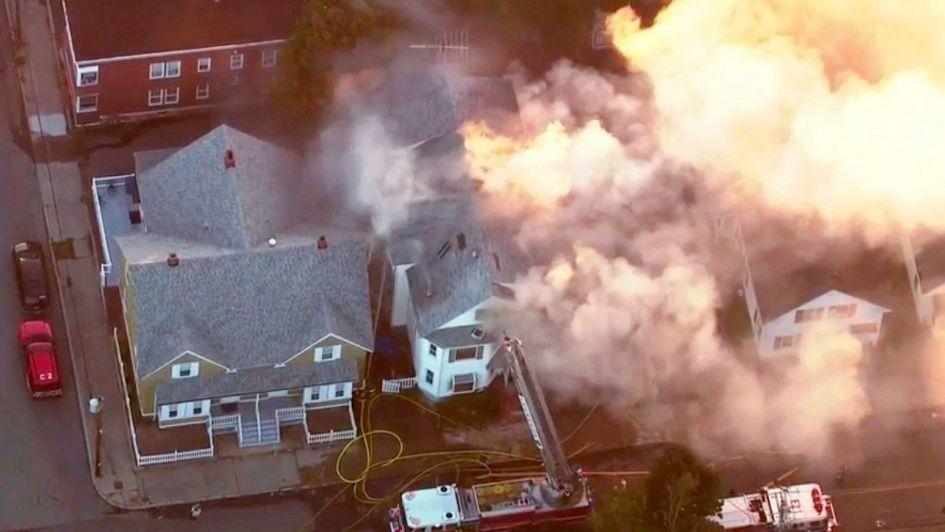 Múltiples explosiones de gas en más de 20 casas generaron pánico en Estados Unidos