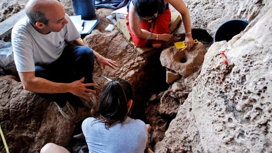Descubren en Israel una cervecería en una cueva y creen que es la más antigua del mundo