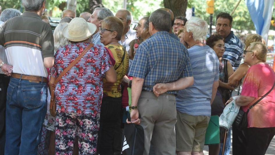 Jubilaciones y pensiones: actualizarán deuda con fórmula más beneficiosa
