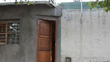 La casa donde la mujer dio a luz a la bebé. Madre e hija están en buen estado de salud.