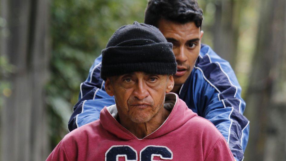 Venezuela: kilómetros en silla de ruedas para conseguir medicinas