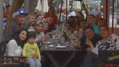 La gastronomía, uno de los atractivos para los chilenos en Mendoza.