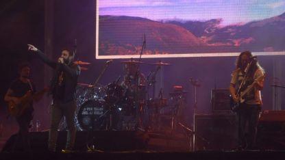La banda pasó por Mendoza y el lunes parten rumbo a Europa.