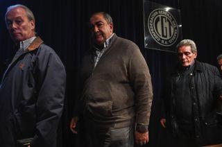 El triunvirato que lidera la CGT decidió la medida de fuerza hace