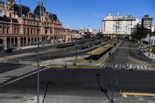 Así se vio ayer la Ciudad de Buenos Aires. La adhesión de los micros dejó desiertas las calles en las principales urbes.