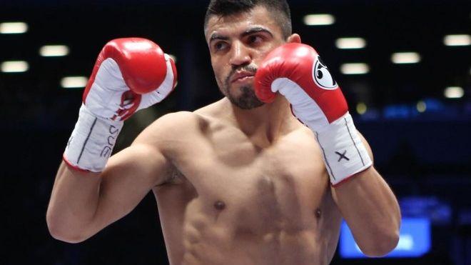 Detienen al campeón mundial de boxeo Víctor Ortiz, por violación