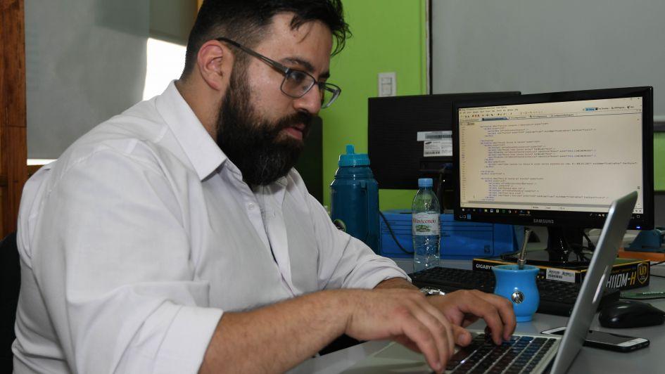 Empresas de software buscan personal y no consiguen