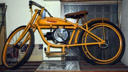 Joya mecánica. Una de las pocas Ramonot que hoy se pueden ver; motor de 2 tiempos de 100cc.