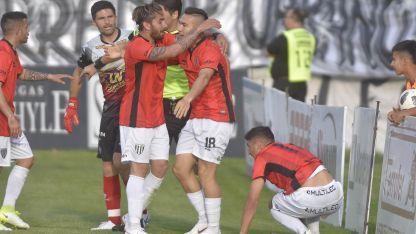 El juvenil le anotó el gol del triunfo frente a Chacarita.