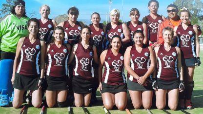 Las integrantes de la Asociación Luján Hóckey ganadoras de la Copa de oro a nivel nacional