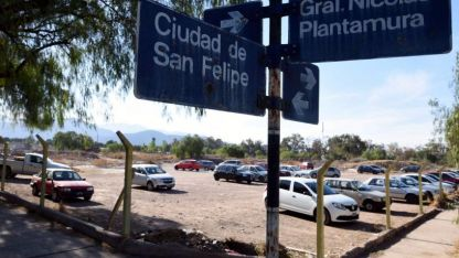 Terreno vacío. El predio que da a calle Plantamura donde se construirá el nuevo complejo judicial que tendrá la provincia.