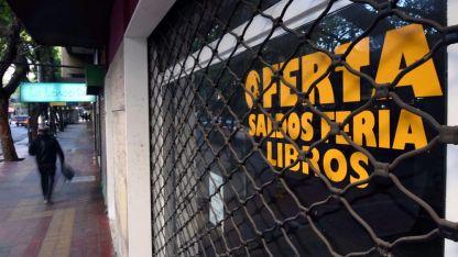 En el Centro se puede ver, en varias calles, locales cerrados como signo de la crisis que se atraviesa.