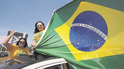 Expectativa. La volatilidad que caracteriza al escenario brasileño no permite descartar una sorpresa en las elecciones de hoy.