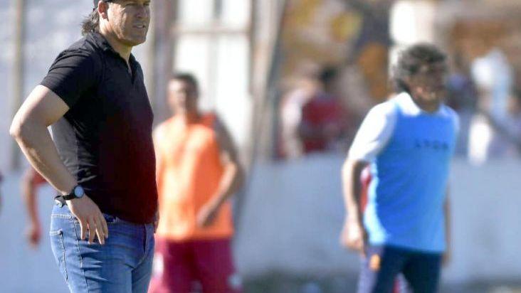 Gustavo Reggi renunció y Huracán Las Heras se quedó sin técnico