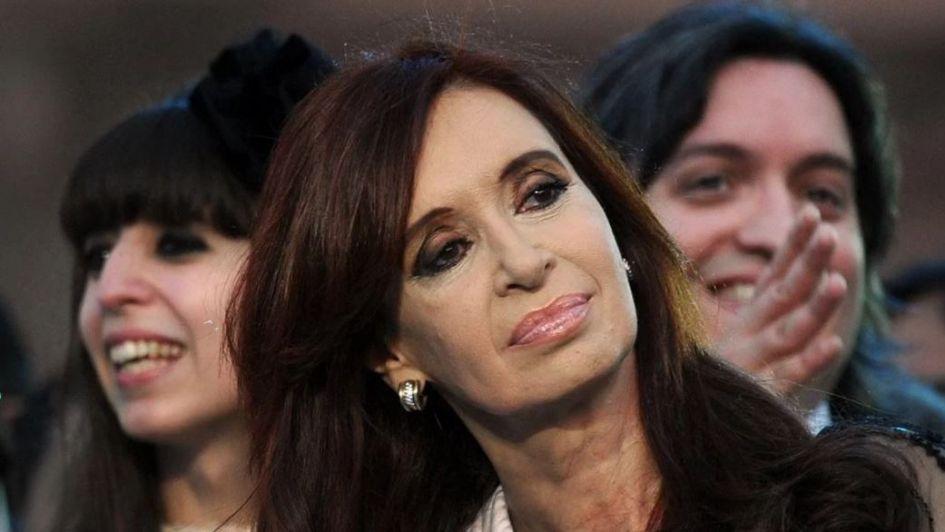 Cristina Kirchner y sus hijos quedaron a un paso del juicio oral en la causa Hotesur