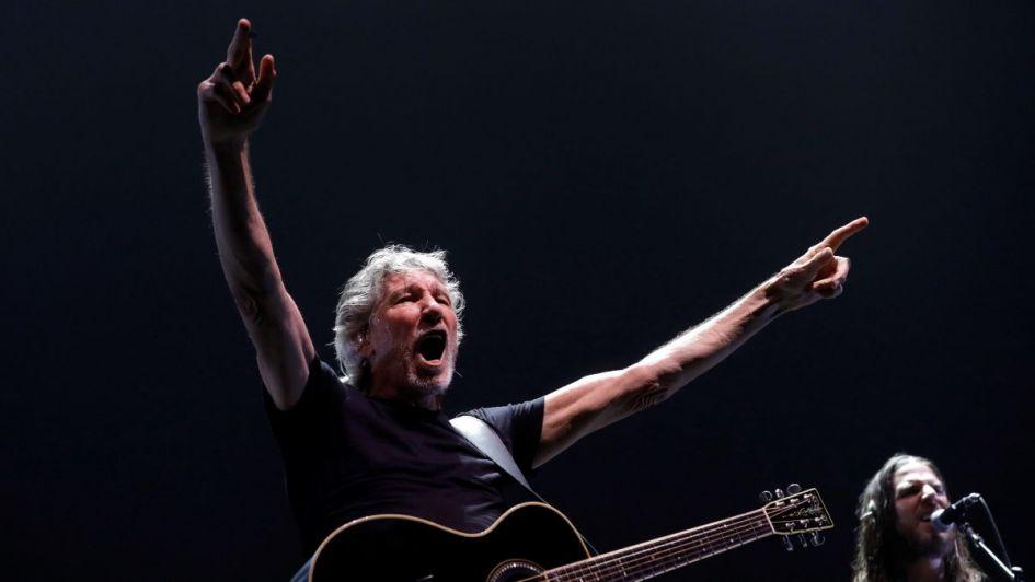 Roger Waters criticó a Bolsonaro en pleno concierto en Brasil y lo abuchearon