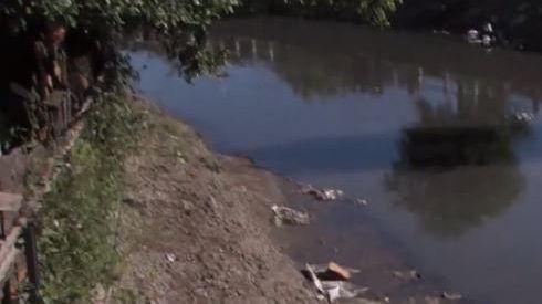 Hallaron del cadáver de un bebé en un arroyo de Buenos Aires