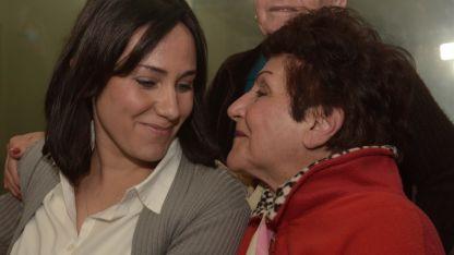 Claudia Domínguez Castro y su abuela María Domínguez.
