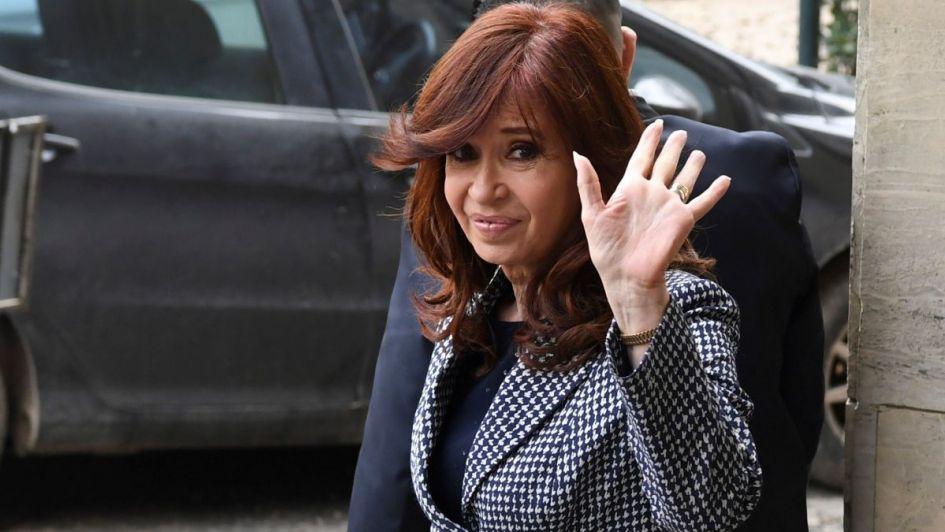 """CFK: """"Frenamos el tarifazo y responden pidiendo mi detención"""""""