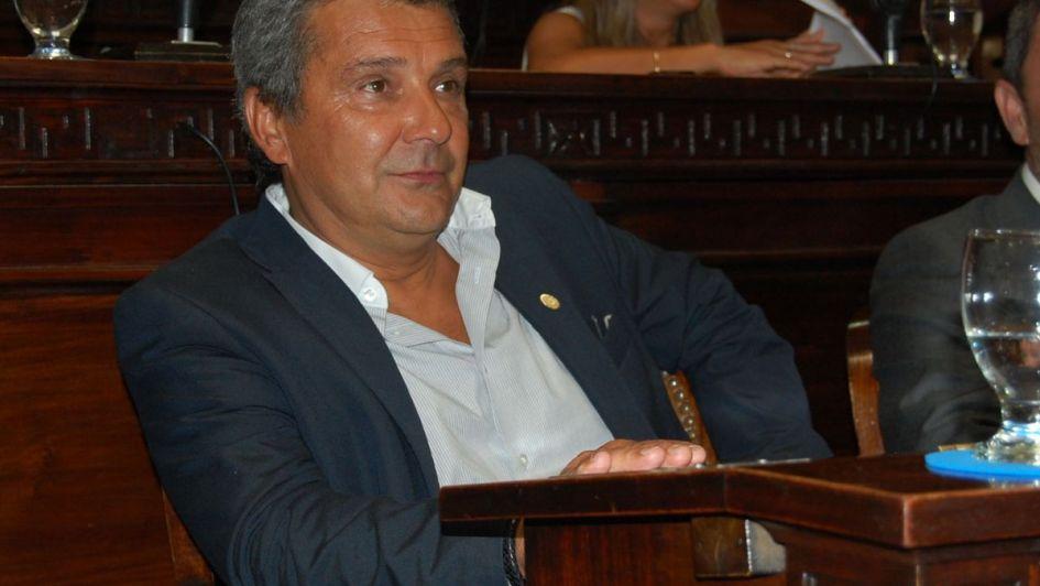 Bianchinelli debe devolver $ 5 millones por pagar sobreprecios