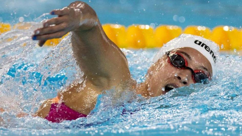 Delfina Pignatiello y Delfina Dini, en la final de los 400 metros libres en natación