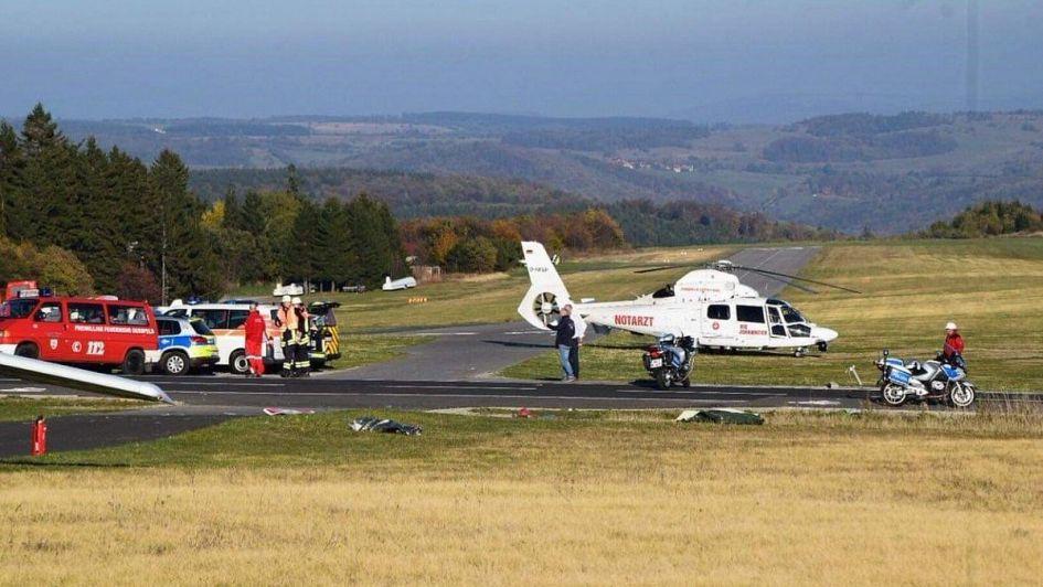 Avioneta choca contra grupo de personas y deja a varias muertas