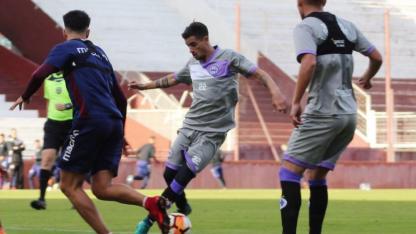 Alfio Lorenzo fue autor de uno de los mejores goles del fin de semana.