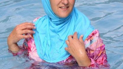 La joven visitó el spa de Cacheuta en diciembre pasado. No la dejaron vestir burkini.