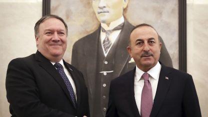 El secretario Mike Pompeo viajó a reunirse con el ministro turco Mevlüt Clavusoglu.