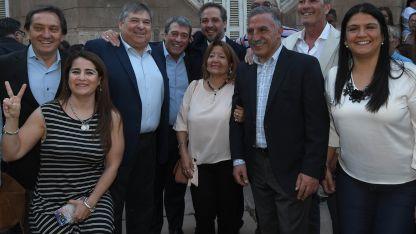 Al centro Japaz, Adolfo Bermejo y se asoma Stevanato. A la derecha, el intendente sonríe.