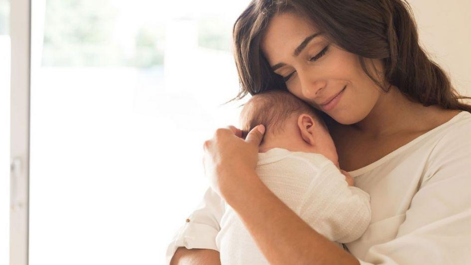 ¡Feliz día a las mamás con abrazos infinitos!