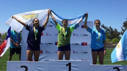 Doble festejo. La atleta Valentina Sánchez, en lo más alto del podio. La sanrafaelina ganó en dos pruebas.