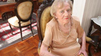 Elvira Calle recibió diversos reconocimientos.