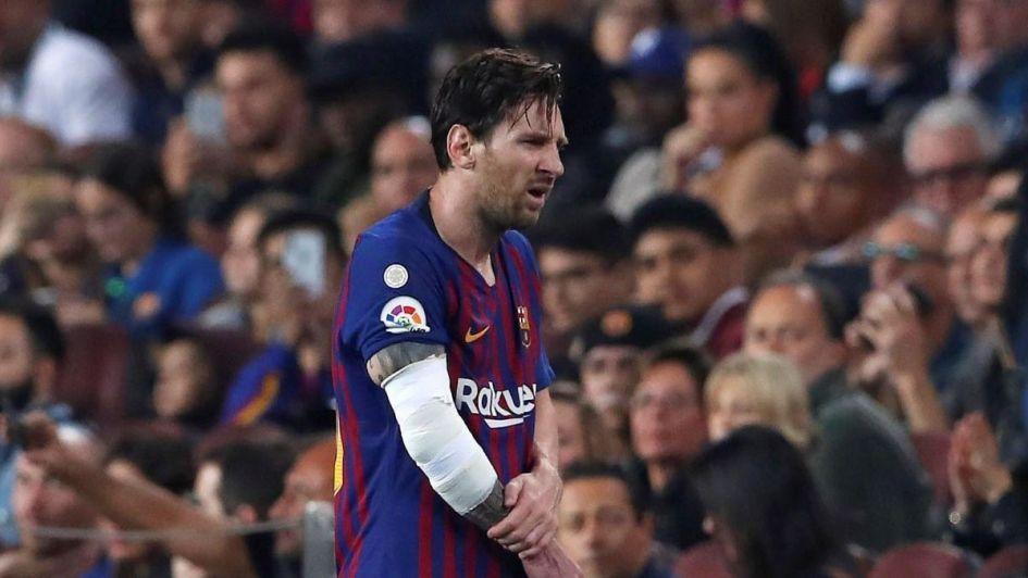 Messi con fractura de brazo
