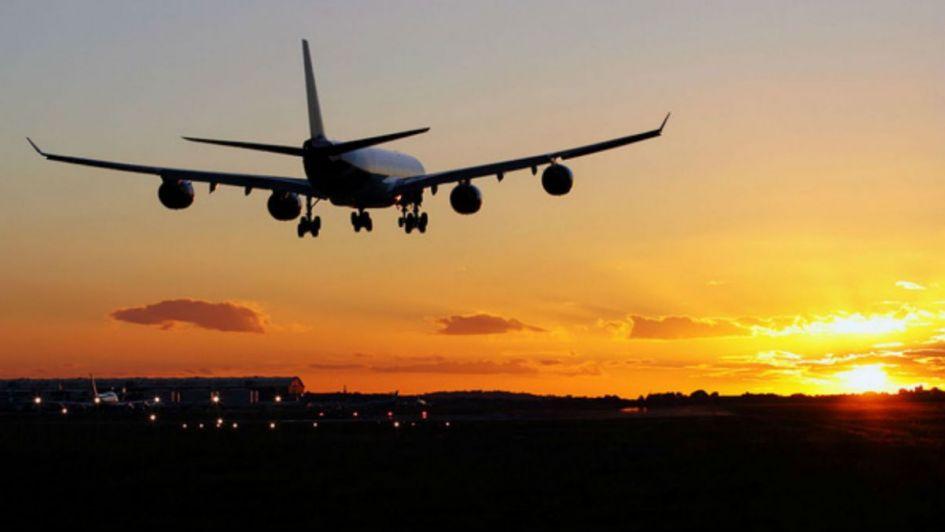 Nuevo récord mundial en vuelos comerciales: 18 horas sin aterrizar
