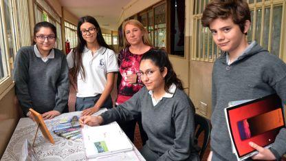 Los cuatro alumnos y su maestra viajarán el 6 de noviembre a Santa Fe, para participar de las finales.