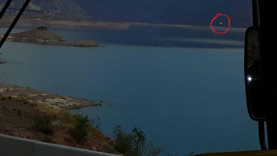 Un vecino de Potrerillos asegura que vio un OVNI volando sobre el lago