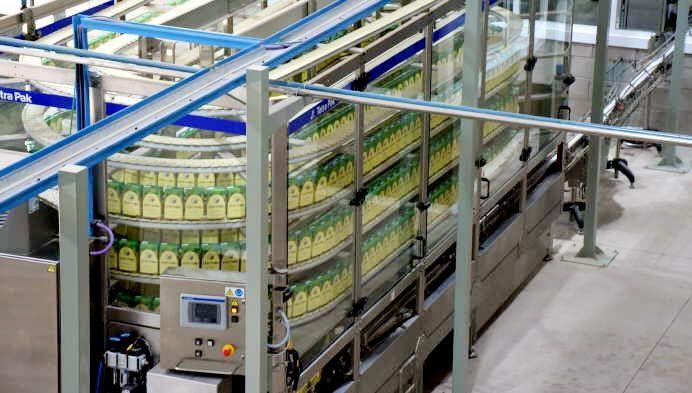 Fecovita inauguró su planta y prueba envases de medio litro